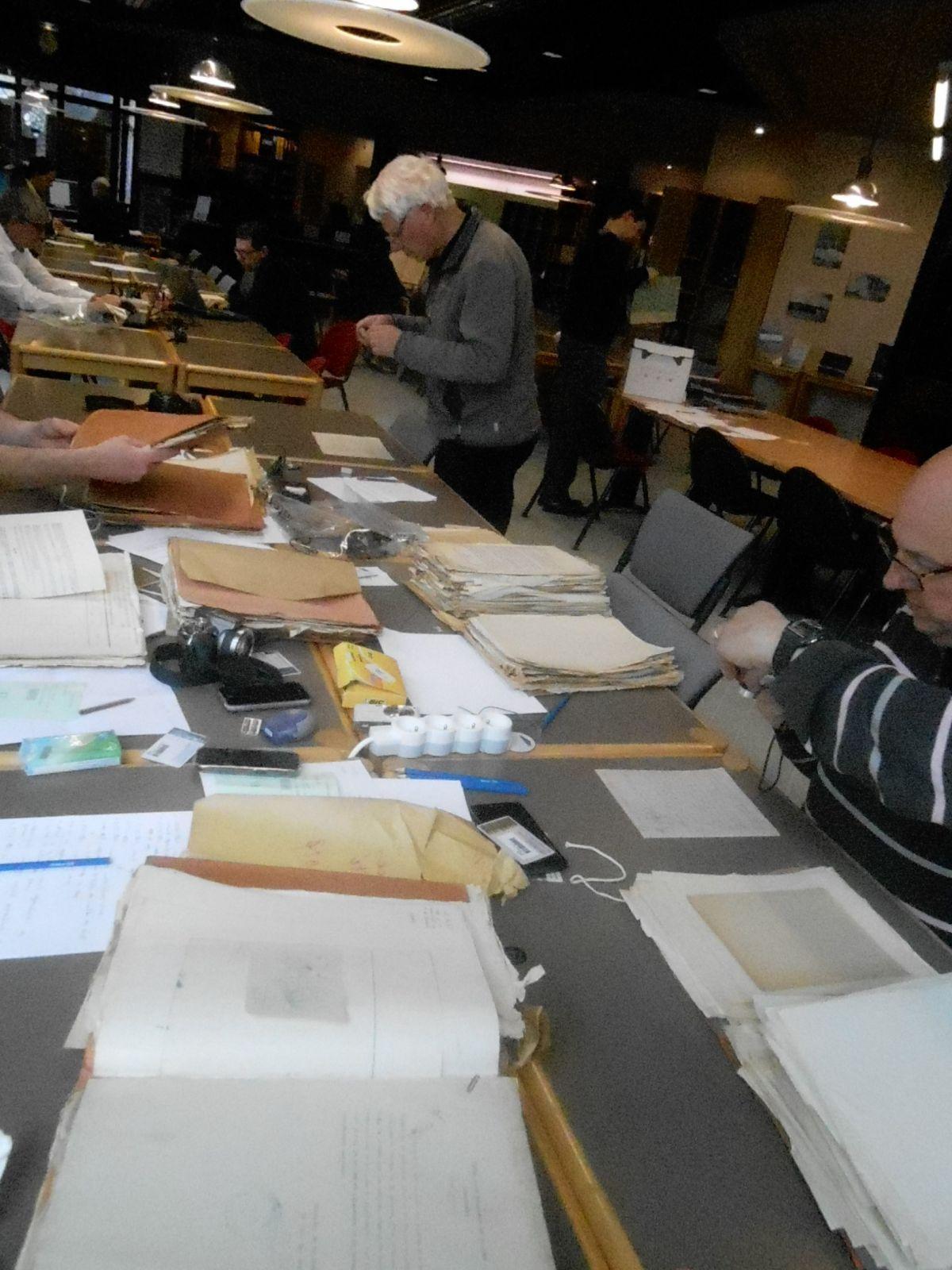 Aux archives départementales